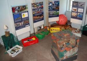 """Müllausstellung """"Müll vermeiden - Meere schützen"""", Foto © Clemens/Mellumrat"""