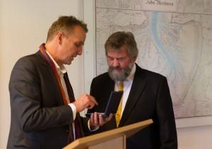 Umweltminister Wenzel überreicht den Verdienstorden © Mellumrat/Behrends