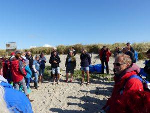 Nach einer Einweisung durch die Organisatoren konnte die Sammelaktion starten. Foto: Frederik Bischoff/Soltwaters e.V.