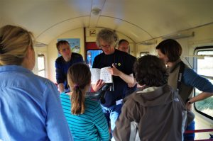 Fahrt mit der Inselbahn zu den Zugvögeln Wangerooge 2019 Foto: Nationalpark-Haus Wangerooge Derya Seifert